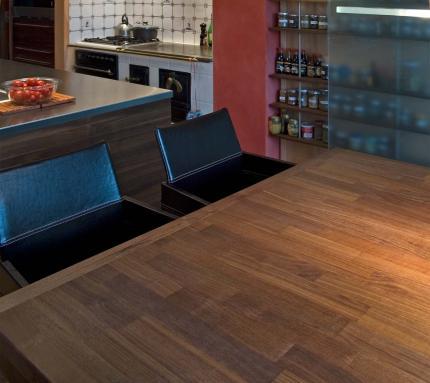 Geölte Arbeitsplatten und Tische